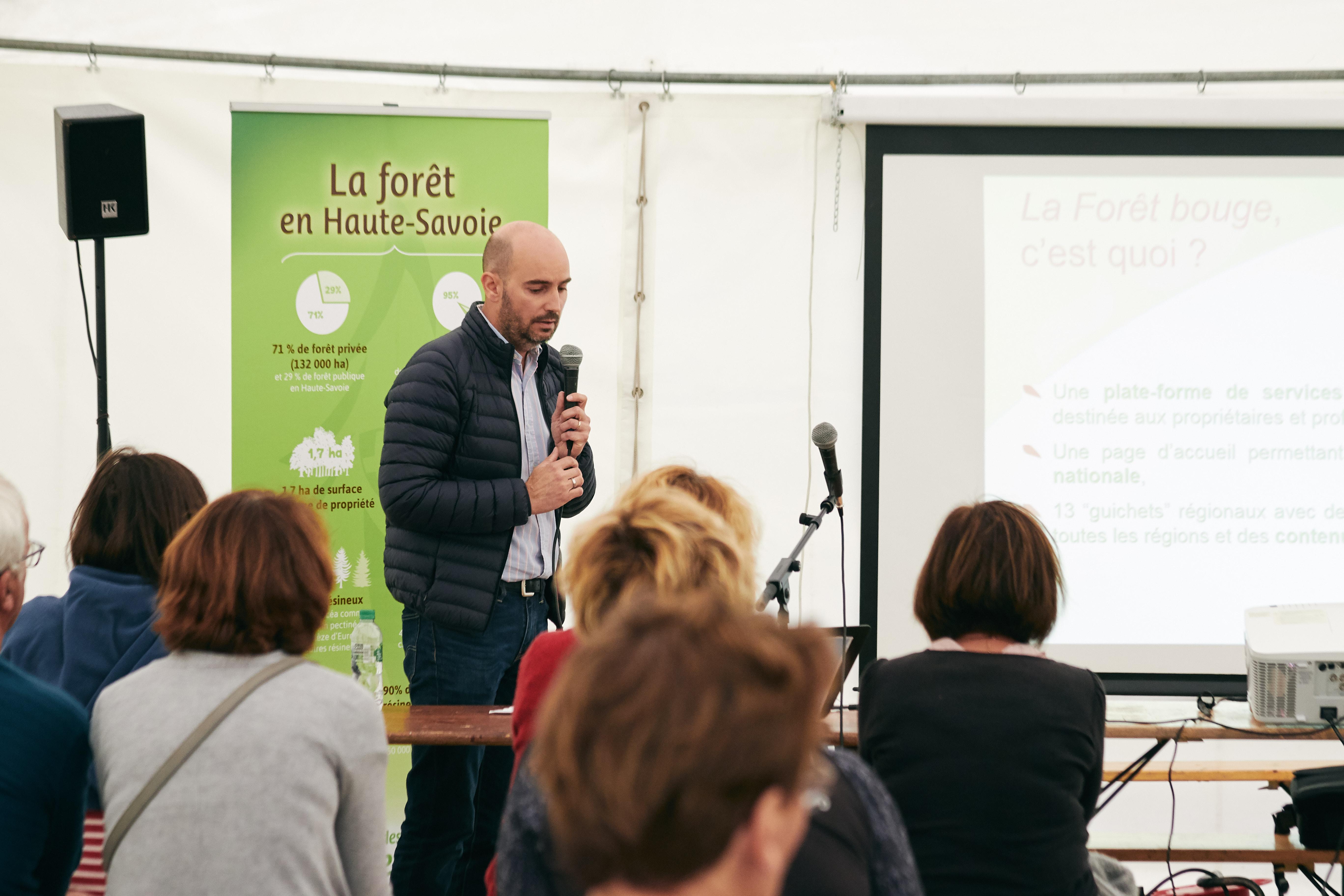 """conférence de David MOURISSET du CRPF """"la forêt bouge"""""""